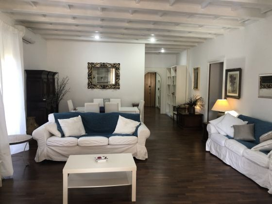 Furnished 3-bedroom flat with TERRACE and community pool and sauna - image 5