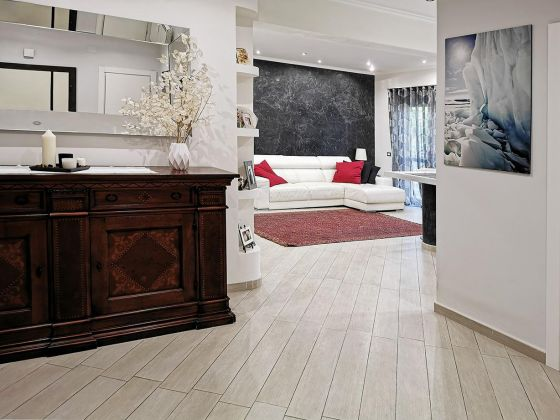 Beautiful apartment near the beach - image 3