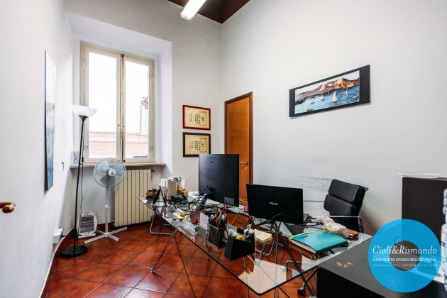 Apartment for sale just few steps from the Pantheon - image 13