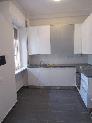 San Saba - 4 bedroom semi-furnished flat for rent - image 4