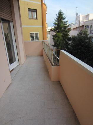 San Saba - 4 bedroom semi-furnished flat for rent - image 1