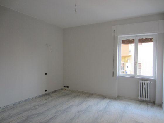 San Saba - 4 bedroom semi-furnished flat for rent - image 7