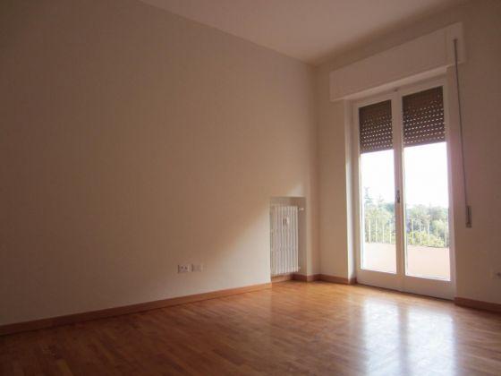 San Saba - 4 bedroom semi-furnished flat for rent - image 9