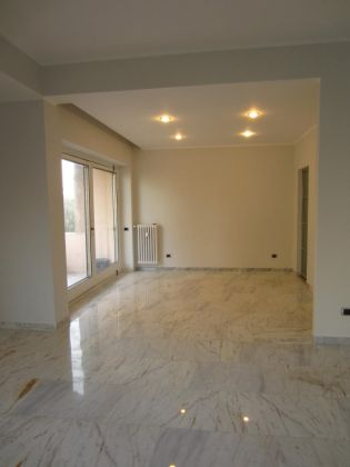 San Saba - 4 bedroom semi-furnished flat for rent - image 5