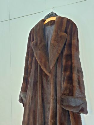 Selling pre-owned Liska Mink Fur - image 3