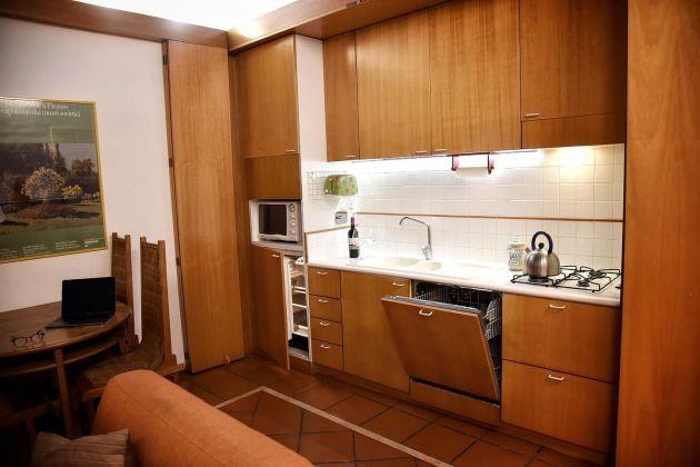 2-bedroom flat - Jewish Ghetto - image 3