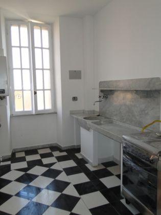 Villa Torlonia - Lovely 4-bedroom flat with balconies - image 9