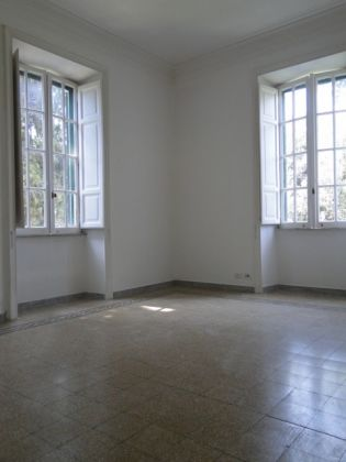Villa Torlonia - Lovely 4-bedroom flat with balconies - image 6