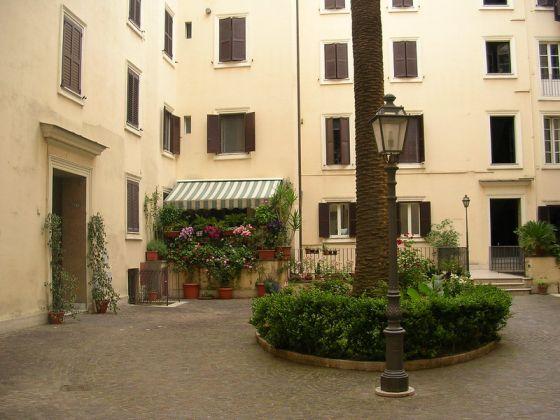 Elegant, 3-bedrrom fully furnished flat - Trastevere - image 11