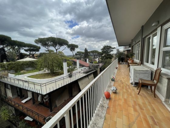 Ponte Milvio - amazing remodeled 3-bedroom flat with terrace - image 19