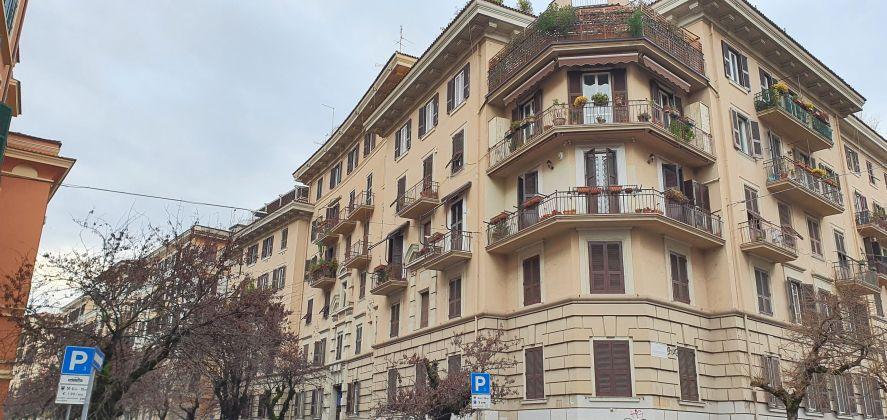NO AGENCIES Trieste neighborhood Selling Apartment - image 1