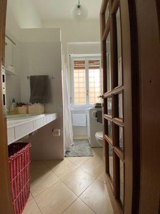 Rome, Italy: Sunny apartment for rent in elegant Parioli area - image 6
