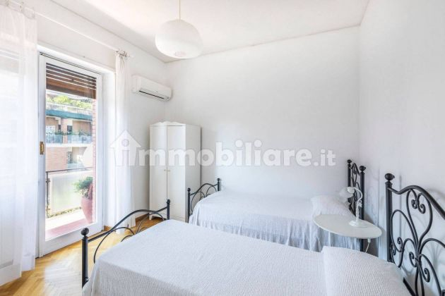 250m2 flat + Terrace with stunning view of St. Peter's Basilica! - image 7