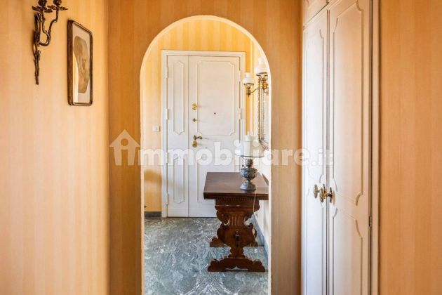 250m2 flat + Terrace with stunning view of St. Peter's Basilica! - image 13