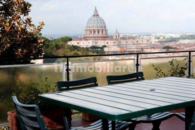 250m2 flat + Terrace with stunning view of St. Peter's Basilica! - image 14