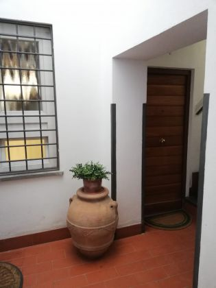 Elegant, remodeled 1-bedroom Trastevere - image 11