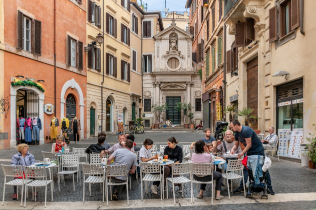Best places to eat outside in Rome - image 1