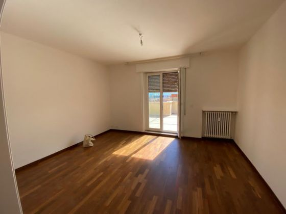 Piazza Bologna - super bright 2-bedroom penthouse - image 7