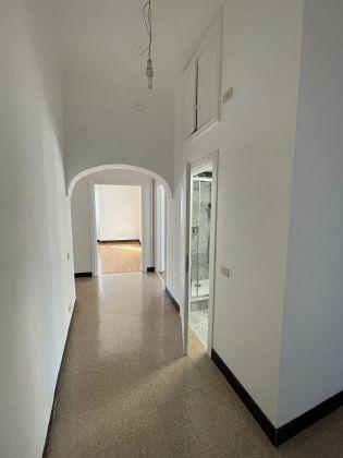 Parioli - amazing 3-bedroom remodeled flat - image 11