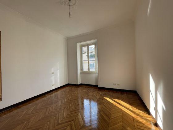 Parioli - amazing 3-bedroom remodeled flat - image 9