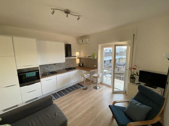 Bright 2 bedroom apartment in Garbatella - image 1