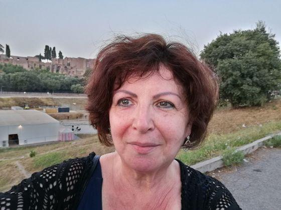 Mothertongue English teacher - image 1