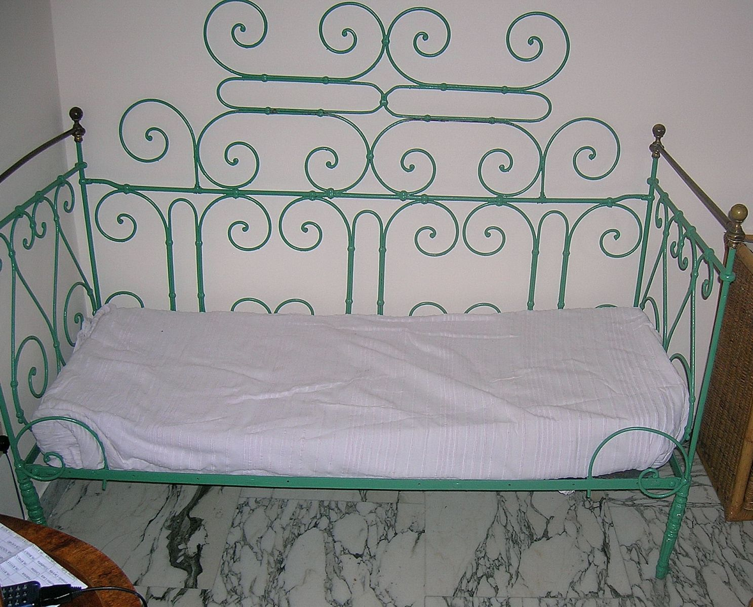 Old Wrought Iron Garden And Queen Size Bed In Same Style