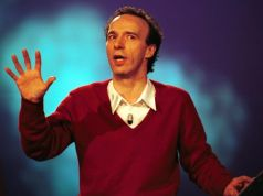 Roberto Benigni reads the Italian Constitution