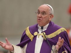 Pope Francis declares Holy Year in Rome