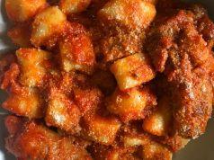 Wanted in Rome recipe: Gnocchi con sugo di salsiccia e spuntature