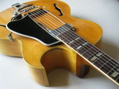 Online guitar lessons with Berklee College graduate