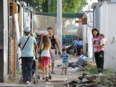 Rome mayor pledges to close Roma camps