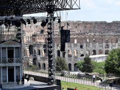Rome's rock opera is a flop