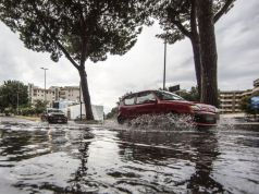 Floods cause havoc in Rome