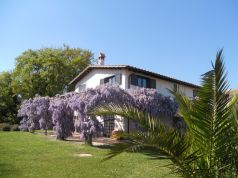 Cesano - 3-bedroom apartment in farm house compound