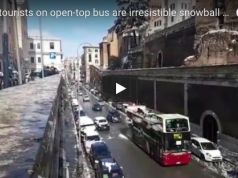 Rome tour bus attacked with snowballs