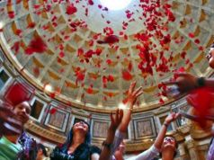 Rose petal ceremony at the Pantheon