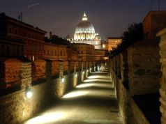 English tours of secret papal escape route at Rome's Castel S. Angelo