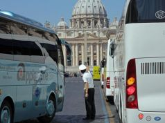 Rome bans tourist buses from city centre