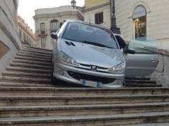 Drunk motorist drove down Rome's Spanish Steps