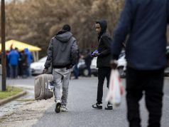 Controversy over closure of Rome asylum seeker reception centre