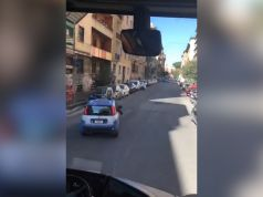 Bizarre police escort for Irish rugby team in Rome