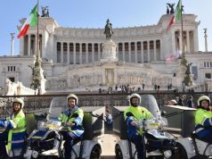 Electric three-wheeler bikes for Rome's postini