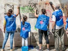 Retake Roma stages clean-up blitz in Rome