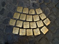 Rome school children clean Holocaust memorials
