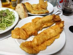 Filetti di baccalà: Rome's deep-fried cod fillets
