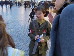 Little Hitler costume shocks in Piazza Navona carnival
