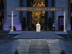 Vatican: Pope celebrates Easter in St Peter's without faithful