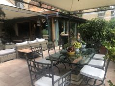 Luxury 400m2 apartment with huge patio and private garden