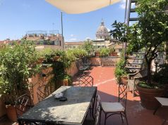 Amazing 2-bedroom penthouse with huge terrace in center of Rome!
